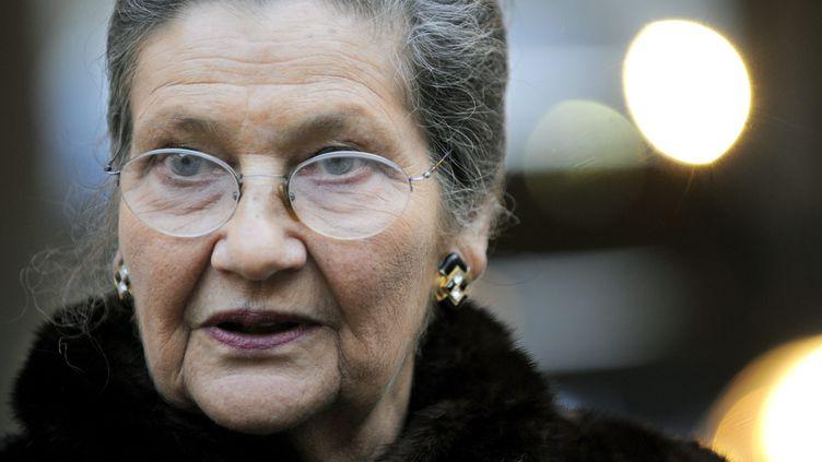 Simone Veil arrive à l'Académie française, le 21 janvier 2010, à Paris. (MAXPPP)