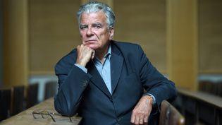 """Le politologue Olivier Duhamel, visé par une enquêtepour """"viols et agressions sexuelles par personne ayant autorité sur mineur de 15 ans"""",le 19 mai 2016 à Sciences-Po, à Paris. (STEPHANE DE SAKUTIN / AFP)"""