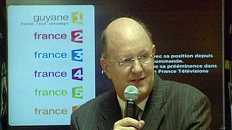 Rémy Pflimlin annonce la nouvelle marque à l'ensemble du personnel depuis la Guyane (FTV)