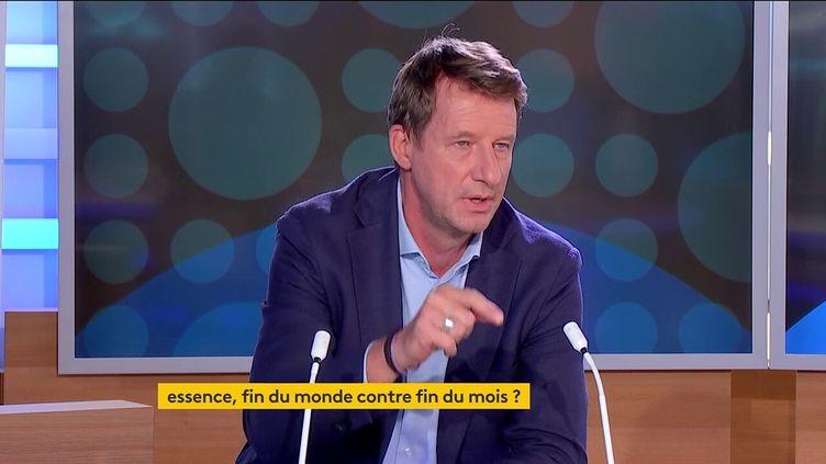 Yannick Jadot sur le plateau de franceinfo à Paris le 21 septembre 2021. (FRANCEINFO)