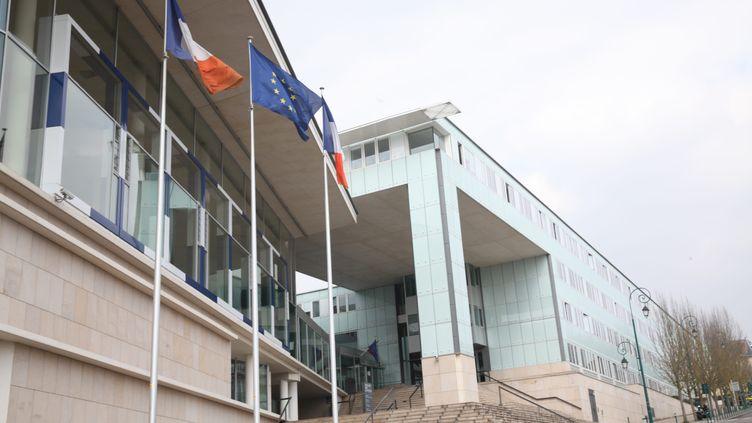 Le palais de justice de Pontoise. (OLIVIER BOITET / MAXPPP)