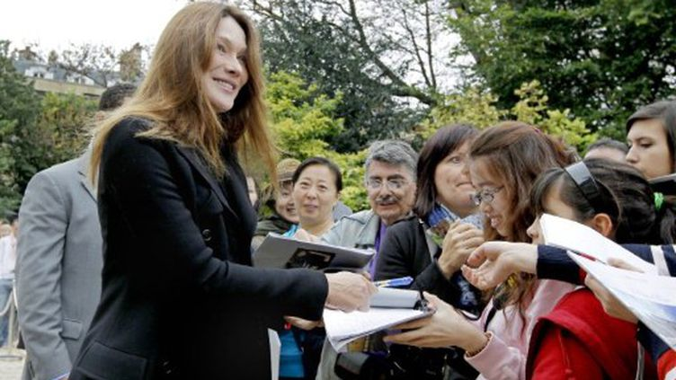 Nicolas Sarkozy et son épouse en septembre dernier (JACQUES BRINON / AFP)