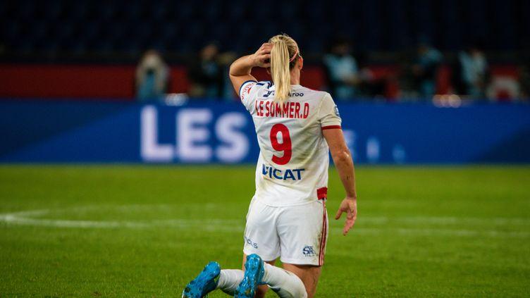 Eugénie Le Sommer, l'attaquante internationale de Lyon, touchée à la cuisse face au PSG (ANTOINE MASSINON / A2M SPORT CONSULTING)