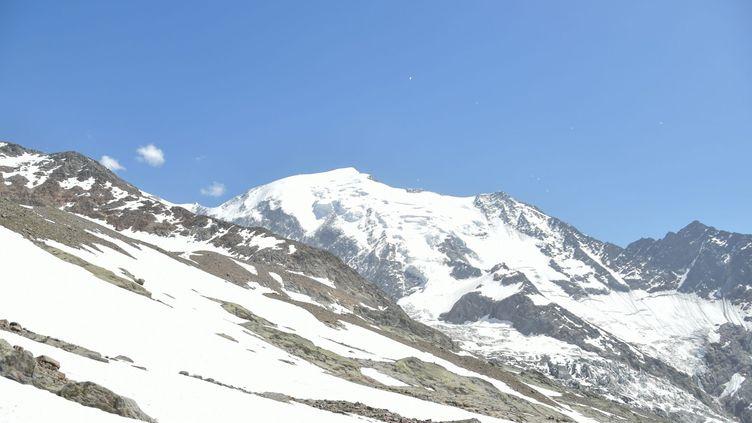 Le militaire britannique a abandonné son rameur dans le massif du Mont-Blanc,à plus de 4 300 m d'altitude, samedi 31 août 2019. (SACHA DA LAGE / MAXPPP)