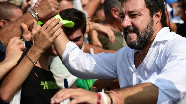 Matteo Salvini, avec des militants de la Ligue, à Pontida en Lombardie, le 15 septembre 2019. (MIGUEL MEDINA / AFP)