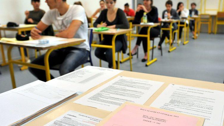 Plusieurs syndicats appellent les enseignants à la grève de la surveillance des épreuves du baccalauréats.Pour autant, les épreuves risque-t-elle d'être perturber? (VIOLAINE ALLIRAND / MAXPPP)