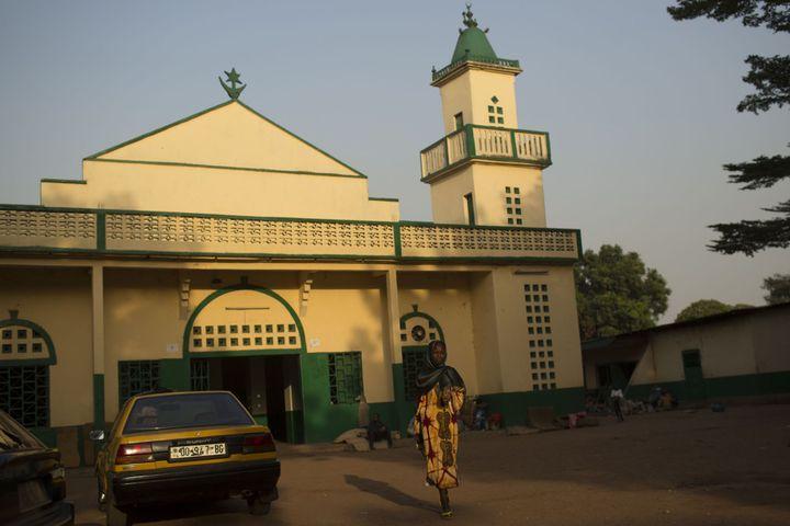 La mosquée centrale de Bangui. Des dignitaires musulmans doivent y rencontrer le Pape François au cours de son voyage. (Photo Reuters/Siegfried Modola)