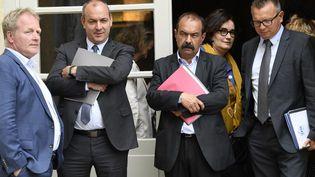 Les syndicalistes François Hommeril, Laurent Berger, Philippe Martinez, Angeline Barth et Cyril Chabanier après avoir assisté à une conférence avec l'exécutif à l'hôtel Matignon à Paris, le 17 juillet 2020. (BERTRAND GUAY / AFP)