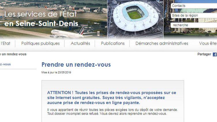 """Le site internet de la préfecture de Seine-Saint-Denis met en garde contre les """"prise de rendez-vous en ligne payante"""". Capture d'écran du message d'alerte. (CAPTURE D'ÉCRAN)"""