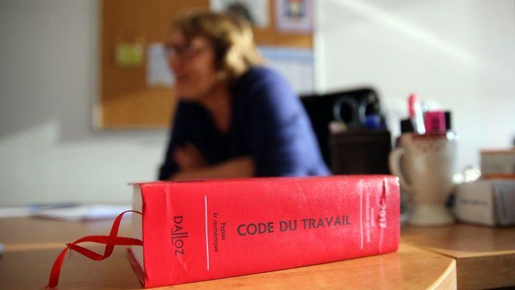 Les inspecteurs du Travail sont chargés de faire appliquer le Code du Travail (illustration). (VANESSA MEYER / MAXPPP)