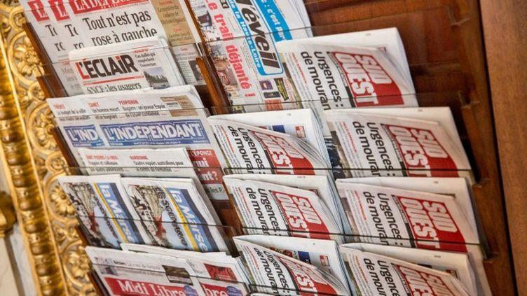 (Des titres de la presse quotidienne régionale © Maxppp)