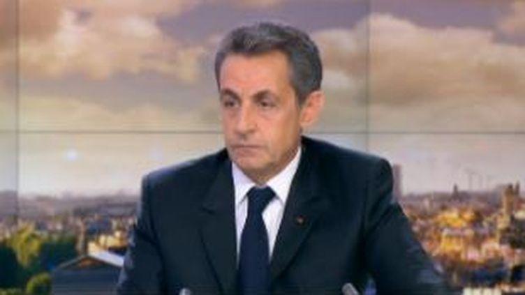 Nicolas Sarkozy sur le plateau duJT de France 2 le 7 décembre 2015 (FRANCE 2)