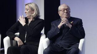 Marine Le Pen et Jean-Marie Le Pen, le 29 novembre 2014, au Congrès du Front national, à Lyon. (  MAXPPP)