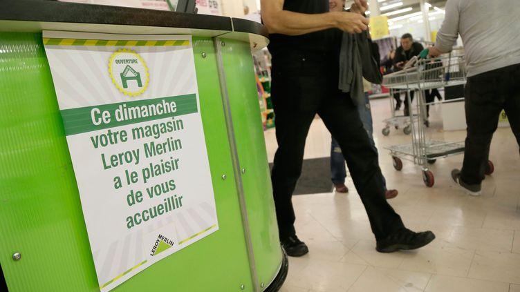 Un magasin Leroy Merlin frappé par l'interdiction de travail dominical ouvre ses portes, le 29 septembre 2013 à Gennevilliers (Hauts-de-Seine). (MAXPPP)