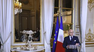 Le ministre de l'Intérieur, Bernard Cazeneuve, le 26 octobre 2016, au palais de l'Elysée. (STEPHANE DE SAKUTIN / AFP)