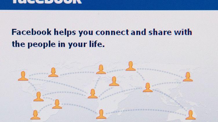 Facebook a créé 22 000 emplois indirects en France en 2011. (NICHOLAS KAMM / AFP)