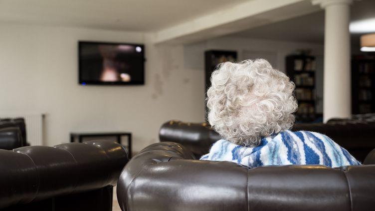 Près de 900 000 retraités veufs ont vu leurs impôts locaux augmenter en 2015. (ALBANE NOOR / BSIP / AFP)