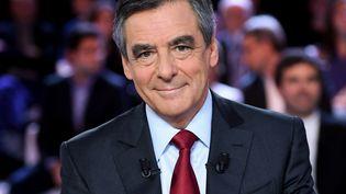 """François Fillon sur le plateau de """"L'Emission politique"""", sur France 2, le 27 octobre 2016. (ERIC FEFERBERG / AFP)"""