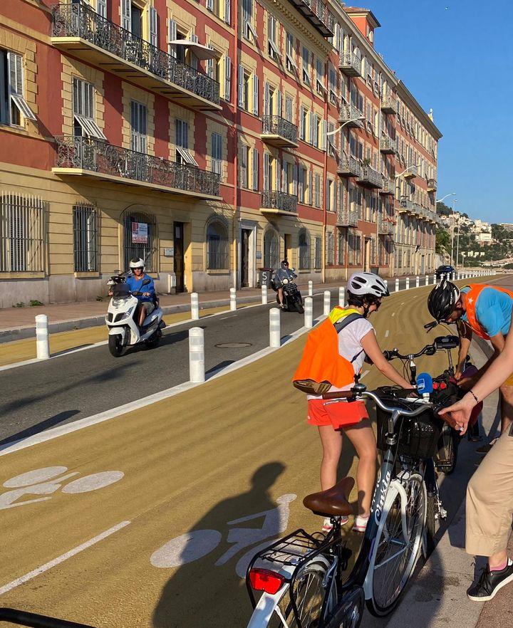Les cours de vélo de l'associationCyclotrope, à Nice. (FANNY LECHEVESTRIER / RADIO FRANCE)