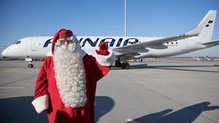 Arrivée à l'aéroport de Budapest du Joulupukki, le Père Noël en finnois, venu par avion de Finlande pour disséminer l'esprit de Noël dans les villes et villages hongrois (ATTILA VOLGYI / MAXPPP)