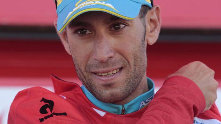 L'Italien d'Astana, Vincenzo Nibali, endosse le maillot rouge de leader de la Vuelta