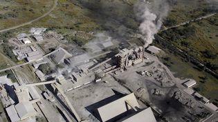 Une usine de traitement de lamine de cuivre dela ville de Ndola, enZambie. (SYLVAIN CORDIER / BIOSPHOTO)