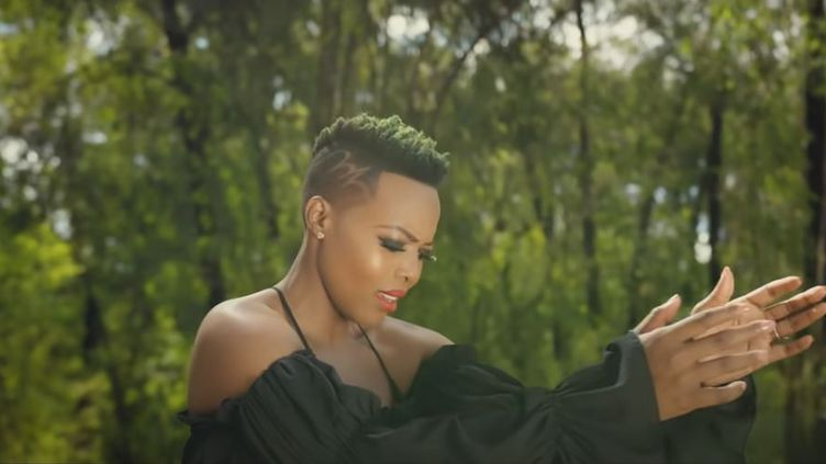 "Nomcebo Zikode dans son clip ""Jerusalema"". (CAPTURE D'ÉCRAN YOUTUBE)"