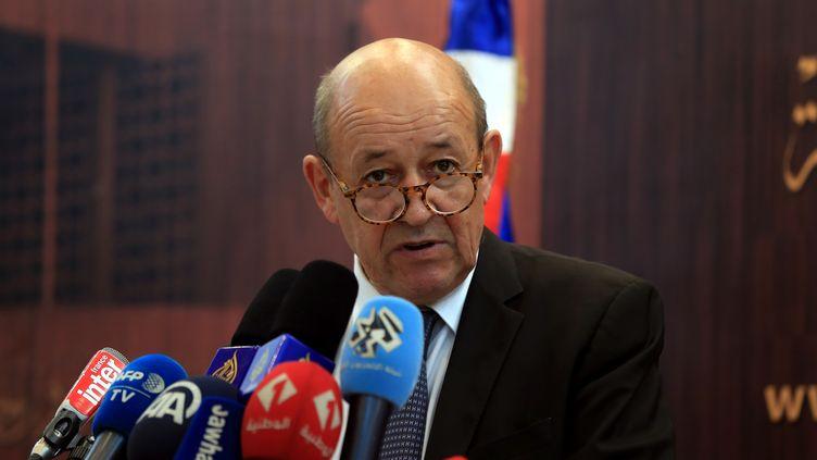 Le ministre des Affaires étrangères, Jean-Yves Le Drian, à Tunis, la capitale tunisienne, le 22 octobre 2018. (YASSINE GAIDI / ANADOLU AGENCY / AFP)