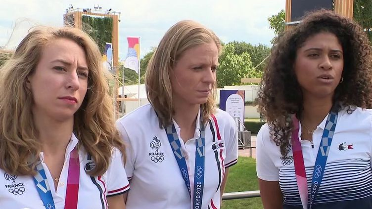 Paris : les athlètes français de retour avec leur médaille, mais sans la fête (France 2)