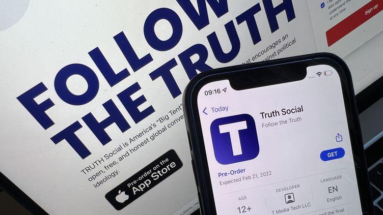 """Annonce de la page d'accueil et de l'application de """"Truth Social"""", le 21 octobre 2021. (CHRISTOPH DERNBACH / DPA)"""