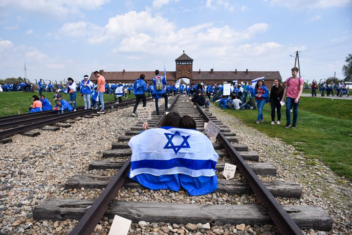 "La ""marche annuelle des vivants"", au camp d'Auschwitz-Birkenau, Oswiecim, Pologne, 2 Mai 2019. (OMAR MARQUES / ANADOLU AGENCY)"