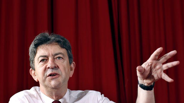 Jean-Luc Mélenchon, en conférence de presse à Paris, le 25 juin 2012. (THOMAS SAMSON / AFP)