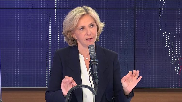 """Valérie Pécresse, présidente (Libres !) de la région Ile-de-France était l'invitée du """"8h30 franceinfo"""", le 2 juin 2021. (FRANCEINFO / RADIOFRANCE)"""