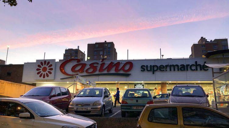 Un supermarché Casino à Bagneux (Hauts-de-Seine), le 1er octobre 2018. (MAXPPP)