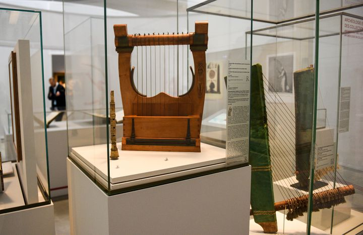 Une harpe antique  (DENIS CHARLET / AFP)