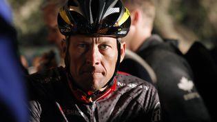 Le champion de cyclisme Lance Armstrong attend le début du Tour de Cape Argus,au Cap(Afrique du Sud), le 14 mars 2010. (MIKE HUTCHINGS / REUTERS)
