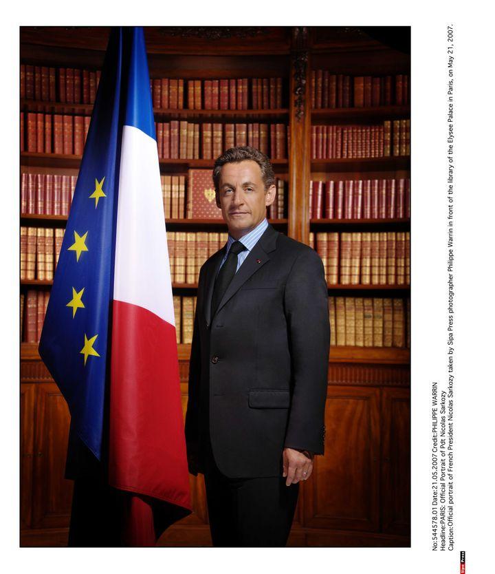 Le portrait officiel de Nicolas Sarkozy à l'Elysée, le 21 mai 2007. (WARRIN / SIPA)