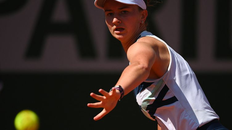 Barbora Krejcikova a facilement écartéSloane Stephensen 8e de finale de Roland-Garros lundi 7 juin 2021. (ANNE-CHRISTINE POUJOULAT / AFP)
