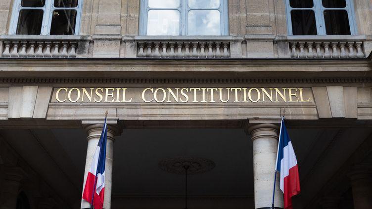 La façade du Conseil constitutionnel, à Paris, le 1er août 2021. (GEORGES GONON-GUILLERMAS / HANS LUCAS / AFP)