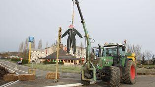 Des agriculteurs manifestent à Auch (Gers), contre la réforme de la carte des zones agricoles défavorisées, le 13 février 2018. (MAXPPP)