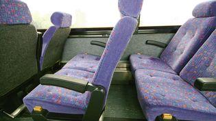 Des sièges de car, en août 2009. (Illustration) (MAXPPP)