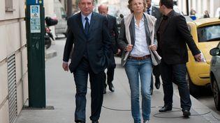 Francois Bayrou en compagnie de Marielle De Sarnez à Paris le 3 mai 2012 (BERTRAND LANGLOIS / AFP)
