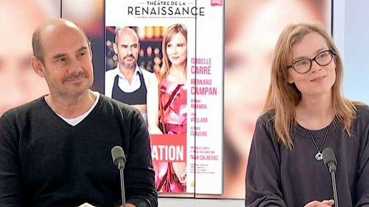 """Bernard Campan et Isabelle Carré sur le plateau de France 3 Ile de France pour la pièce de théâtre """"La Dégustation""""  (France 3 / Culturebox )"""