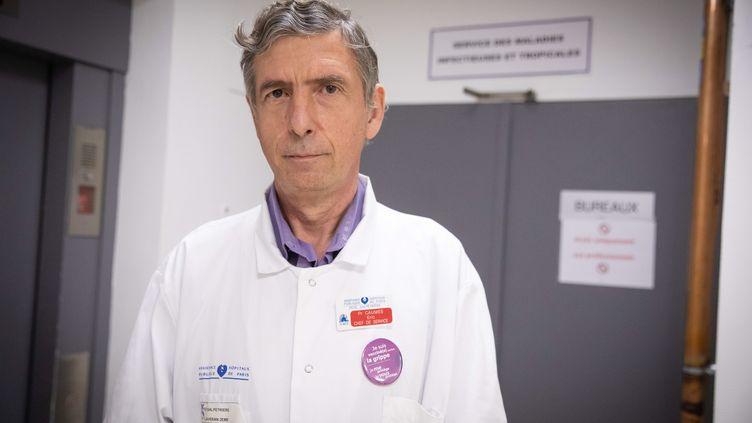 Le Professeur Eric Caumes, chef de service des maladies infectieuses de l'hôpital de la Pitié-Salpêtrière (FRED DUGIT / MAXPPP)