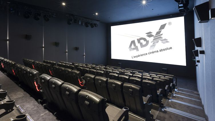 La salle 4DX du cinéma Pathé Gaumont La Villette compte 104 sièges. Il faut ajouter 6 euros par rapport au prix d'une place standard pour voir un film dans ce format.  (Cinéma Gaumont Pathé)