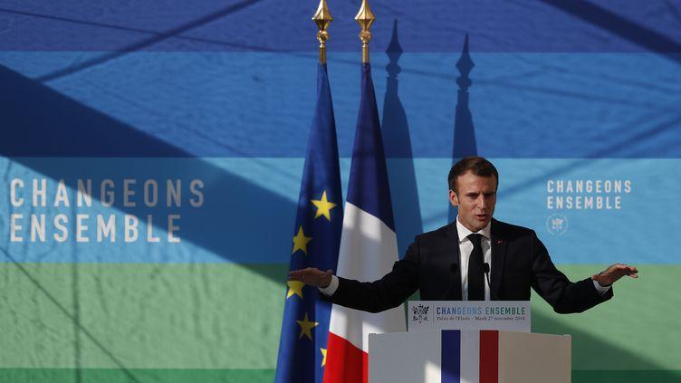 Emmanuel Macron lors de la présentation du plan de programmation pluriannuelle de l'énergie. (IAN LANGSDON / POOL)