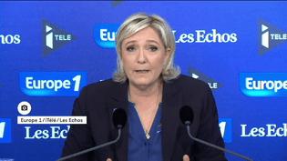 Marine Le Pen a accusé Emmanuel Macron d'avoir agi contre les intérêts de la France, dimanche 12 février. (Europe 1 / iTélé / Les Echos)