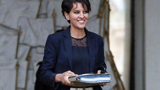 La ministre de l'Education nationale, Najat Vallaud-Belkacem, à la sortie du Conseil des ministres, le 20 mai 2015, à Paris. (PATRICK KOVARIK / AFP)