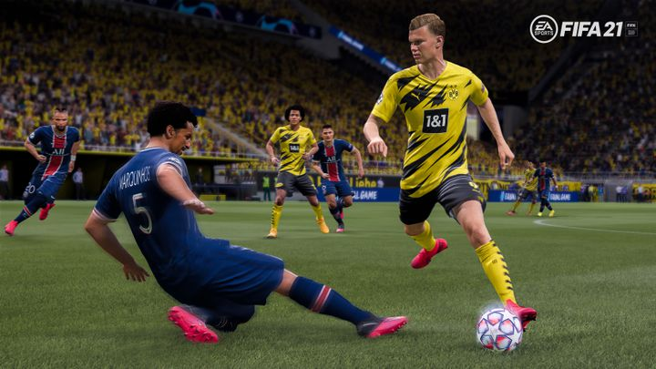 Erling Haaland (Borussia Dortmund) déborde Marquinhos (PSG) dans FIFA 21