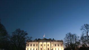 Un intrus a été arrêté mercredi 22 octobre après avoir pénétré sur la pelouse de la Maison Blanche, ici en photo le 10 janvier 2007, à Washington DC (Etats-Unis). (JIM YOUNG / REUTERS)